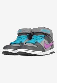 Nike SB - Trainers - grey - 2