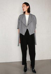 jeeij - BATWING  - Blazer - light grey - 5