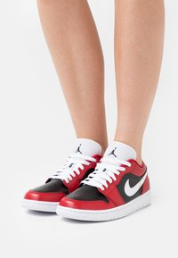 Jordan - AIR 1 - Baskets basses - gym red/white/black - 0