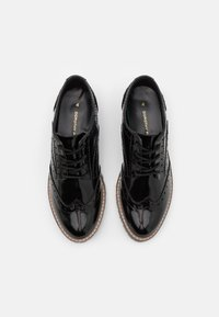 Dorothy Perkins - LEAR BROGUE LOAFER - Lace-ups - black - 4