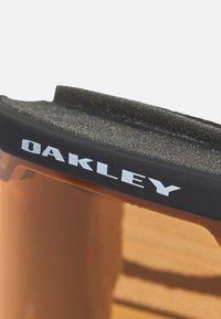 Oakley - FRAME PRO UNISEX - Lyžařské brýle - persimmon/dark grey - 5