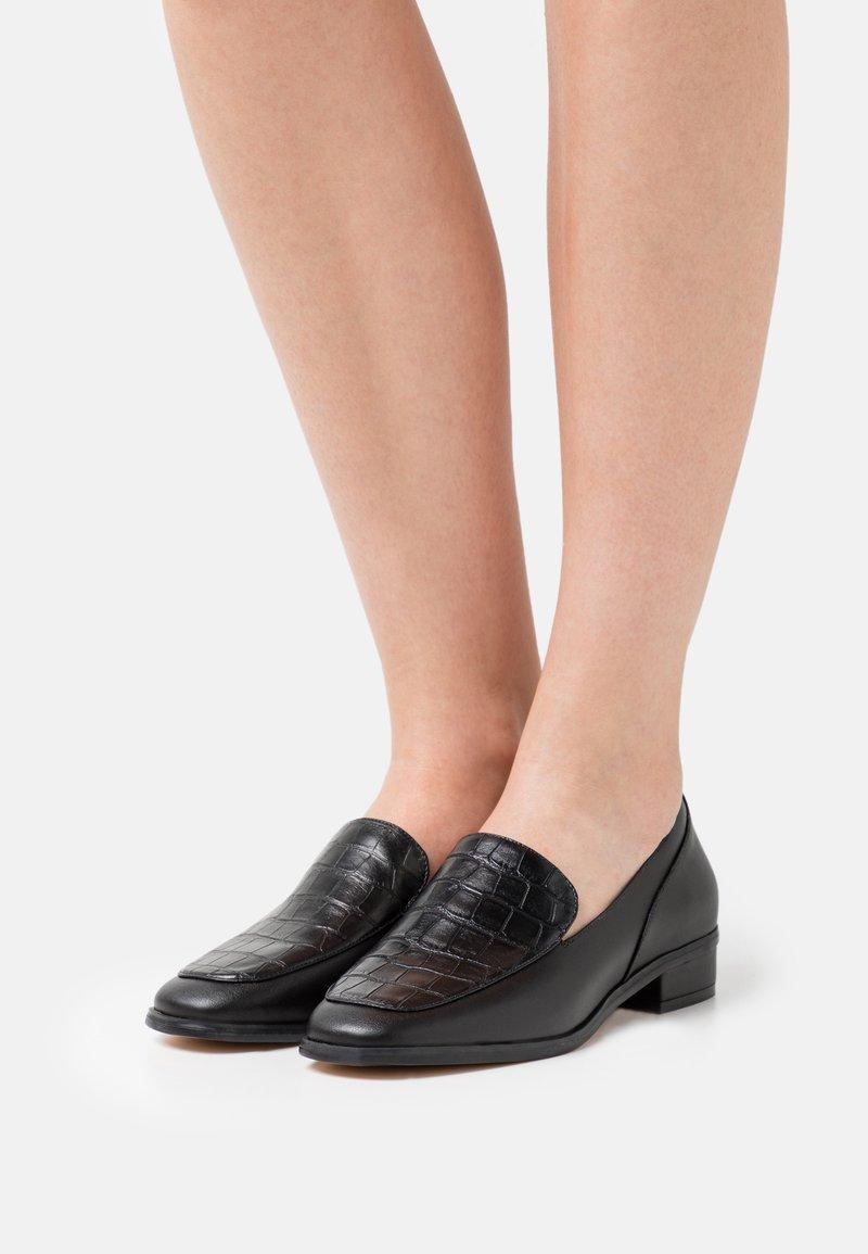 Cosmoparis - VEGAN ZALIX - Nazouvací boty - noir