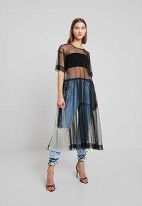 Monki - SILVIA DRESS - Denní šaty - black - 2