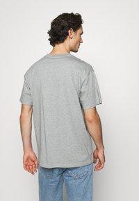 Carhartt WIP - SCRIPT EMBROIDERY - Basic T-shirt - grey heather/black - 2