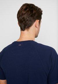 Napapijri - SASTIA  - Camiseta estampada - medieval blue - 3