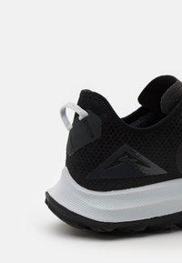 Nike Performance - AIR ZOOM TERRA KIGER 7 - Scarpe da trail running - black/pure platinum/anthracite - 5