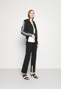 4th & Reckless - AMY TROUSER - Kalhoty - black - 1