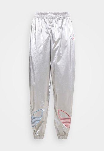 JAPONA - Pantalones deportivos - silver