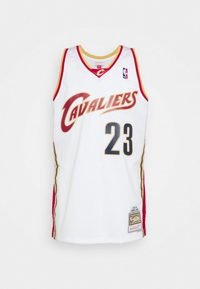 NBA CLEVELAND CAVALIERS LEBRON JAMES SWINGMAN  - Klubbklær - white