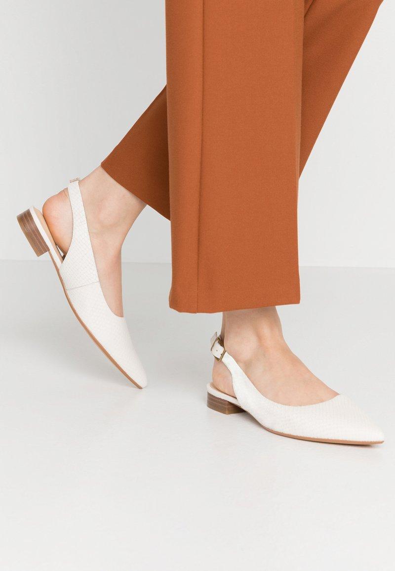 Clarks - LAINA - Slingback ballet pumps - white