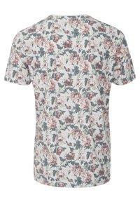 Tailored Originals - Camiseta estampada - milky white - 6
