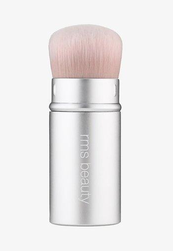 KABUKI POLISHER BRUSH - Makeup brush - -