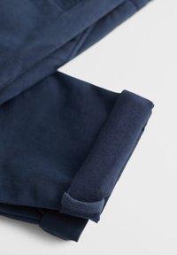 Mango - CHINO7 - Pantaloni - dunkles marineblau - 4