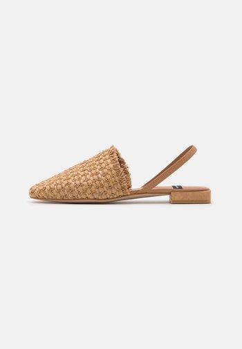 Nazouvací boty - camello