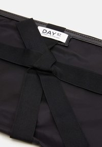 DAY ET - GWENETH SMALL 2 PACK - Wash bag - black - 5