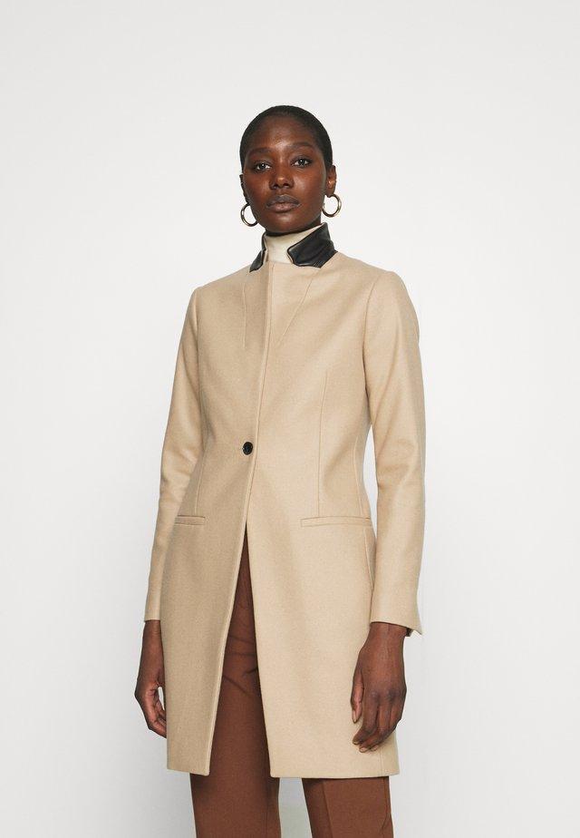 LENI - Classic coat - camel brown