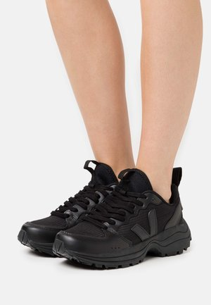 VENTURI - Sneaker low - black