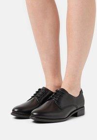 Tamaris - Zapatos de vestir - black - 0