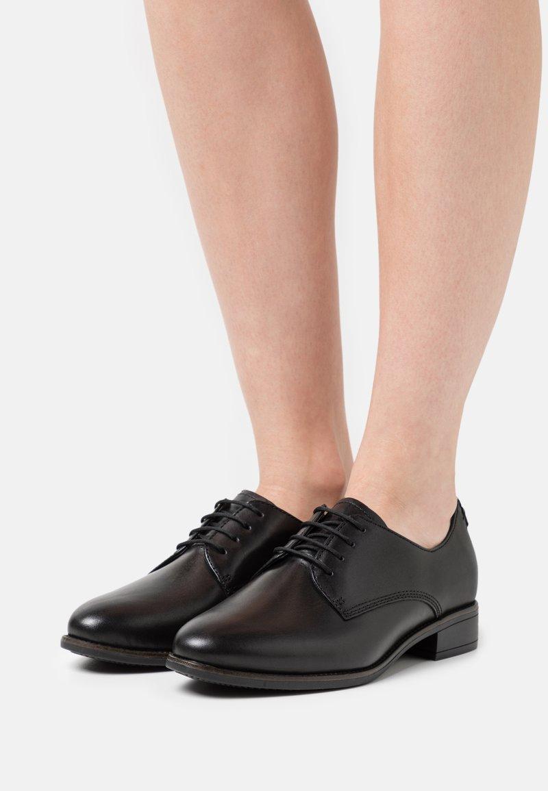 Tamaris - Zapatos de vestir - black