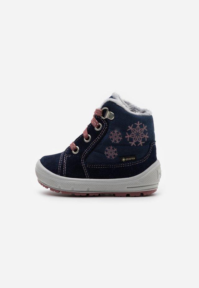 GROOVY - Winter boots - blau/rosa