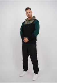 sergio tacchini - BLISS  - Fleece jumper - blk/botnic - 1