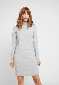 Object - OBJTHESS DRESS - Strikket kjole - light grey melange - 0