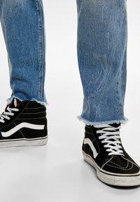 ONLY - ONMGREG - Slim fit jeans - light blue denim - 4