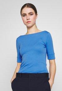 Lauren Ralph Lauren - Print T-shirt - blue - 0