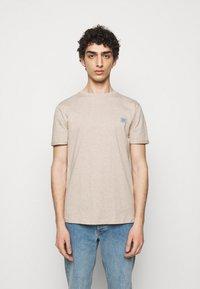 Les Deux - PIECE - Basic T-shirt - light brown melange - 0