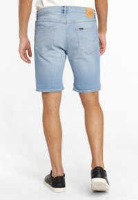 Lee - RIDER - Szorty jeansowe - light blue - 2