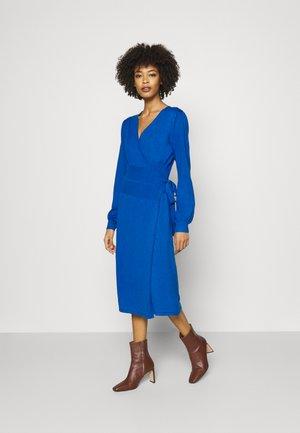 Pletené šaty - baleine blue