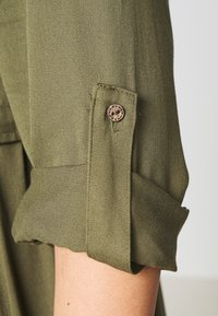 ZAY - YFIERCE  DRESS - Robe chemise - rifle green - 3