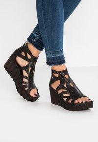Felmini - LESLIE - Platform sandals - black - 0