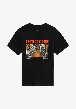 BY VANS X PROJECT CAT SS BOYS - T-shirt med print - black