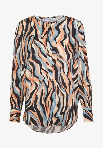 PRINTED BLOUSE WITH BUTTON