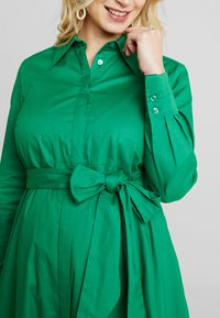 IVY & OAK Maternity - Abito a camicia - secret garden green - 7