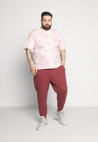 Common Kollectiv - RAGON TIE DYE - T-shirt z nadrukiem - pink - 1