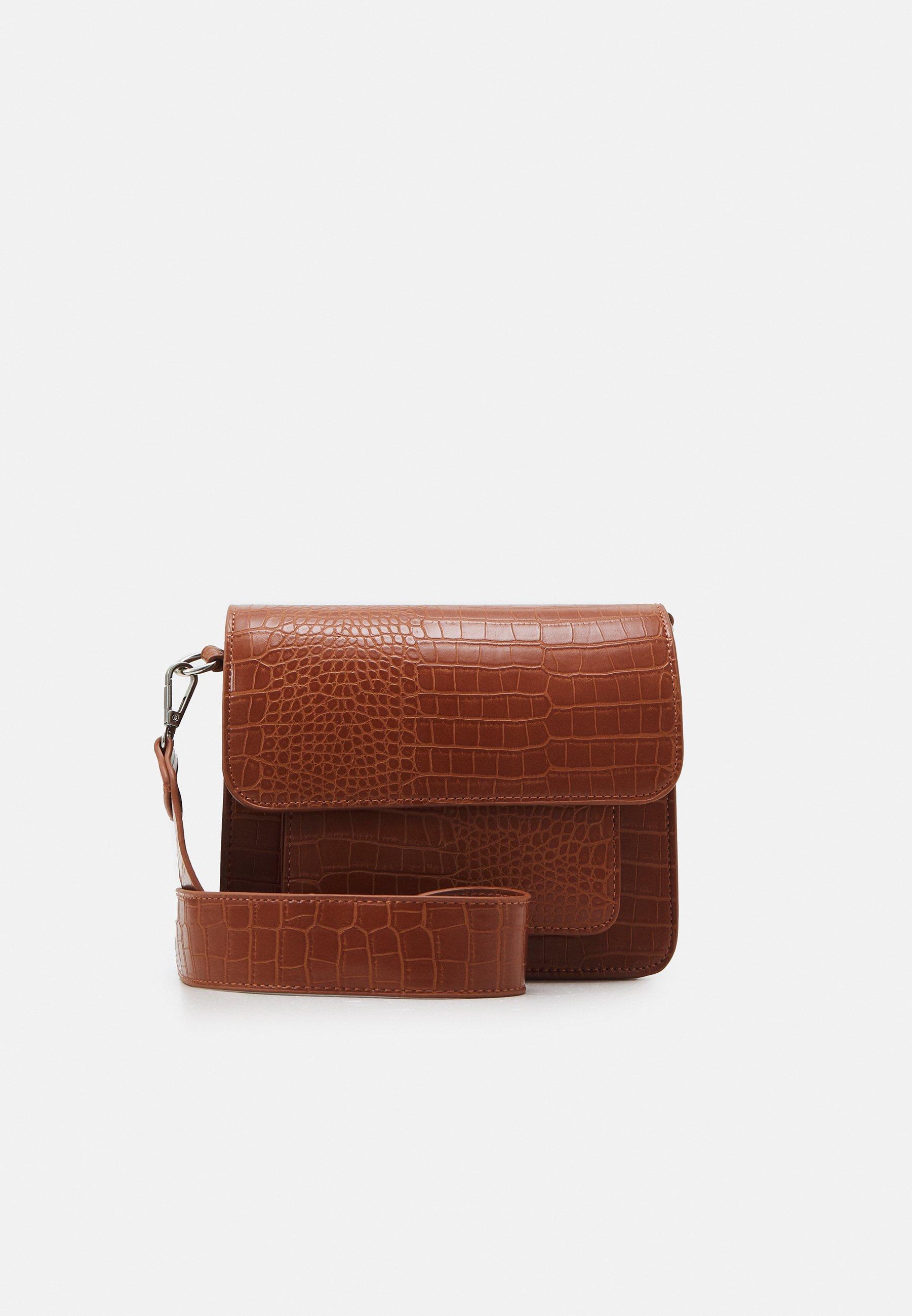 Women CAYMAN POCKET MATTE CROCO - Across body bag