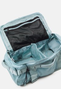 The North Face - BASE CAMP VOYAGER DUFFEL UNISEX - Sac à dos - tourmalineblu/aviatornavy - 6