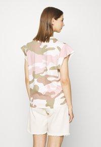 G-Star - GSRAW GYRE KNOT R T WMN CAP SL - Print T-shirt - khaki - 2