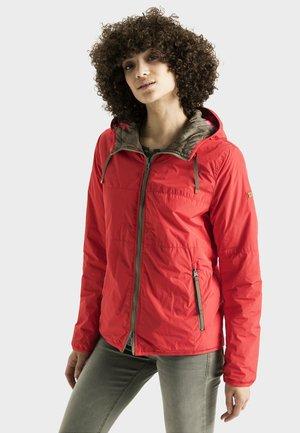 LEICHT WATTIERTE WENDEJACKE - Light jacket - red