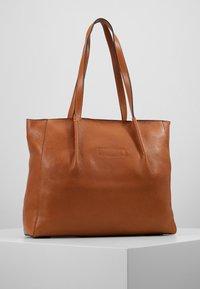 FREDsBRUDER - KYOTO - Tote bag - light camel - 2