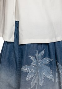 Desigual - VEST MAZATLÁN - Jersey dress - blanco - 2