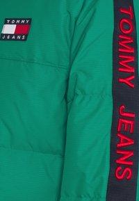 Tommy Jeans - STATEMENT - Untuvatakki - midwest green - 2