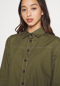 Missguided - CONTRAST STITCH DRESS - Shirt dress - khaki - 7