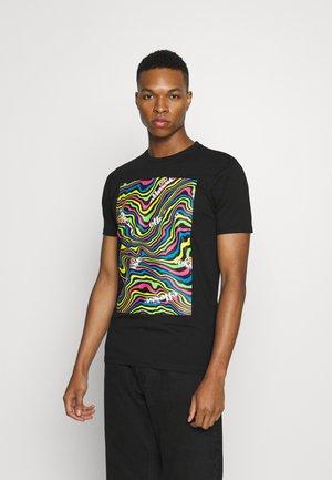 CAMRINO TEE - Print T-shirt - black
