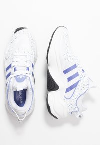adidas Originals - MAGMUR RUNNER - Sneakersy niskie - footwear white/chalk purple/core black - 5