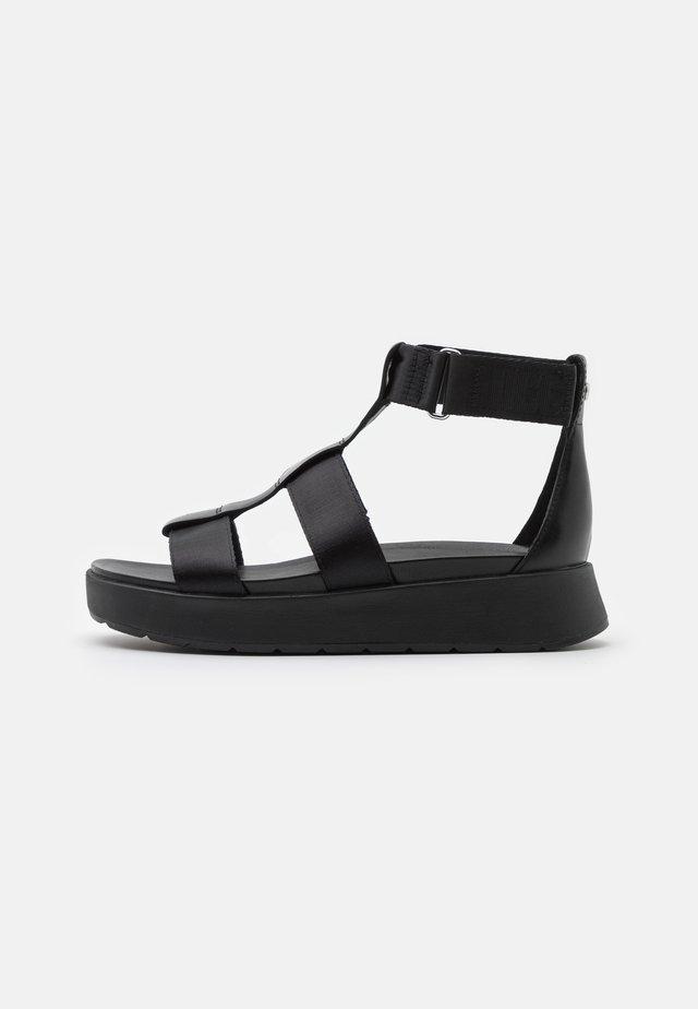 EEBA - Sandály na platformě - black