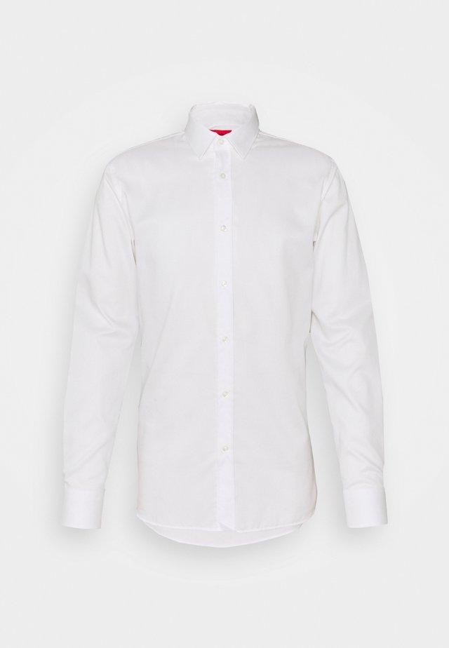 ELISHA - Business skjorter - white