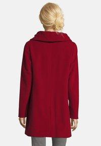 Gil Bret - MIT STEHKRAGEN - Short coat - dark red - 2